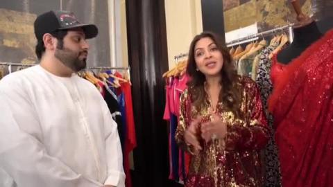 Such an amazing person with glamorous designs, its all about glam and shining glitter with Somya