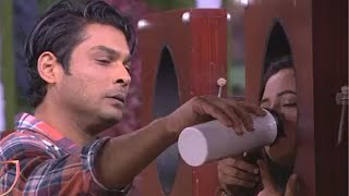 Bigg Boss 13 | Sidharth Shukla HUGS Rashami Desai, Consoles Her As She Breaks Down | 17 Jan 2020