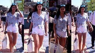 Ananya Panday Full Masti With Media At Versova Jetty | News Remind