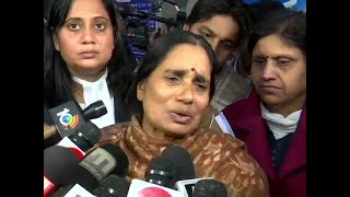 Hopes dashed but will fight till convicts are hanged: Nirbhaya's mother