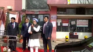 Former PM Dr. Manmohan Singh casts his vote at Nirman Bhawan for Delhi Elections 2020