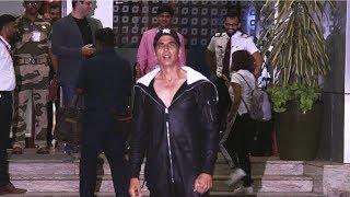 Super Fit Akshay Kumar Spotted At Kalina Airport Mumbai