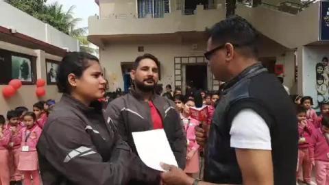 जल संरक्षण का संदेश देने निकले भारत भ्रमण पर शिक्षक दंपति...