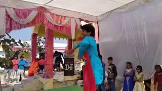 अंगद अकेला ने अपने गाँव के स्कूल पर किया जबरजस्त डांस पब्लिक दिवानी हो गयी#Khesari Lal Superhit Song
