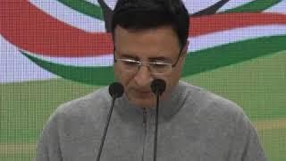 देश के किसानों के मोदी सरकार से 4 सवाल | Randeep Singh Surjewala addresses media at Congress HQ