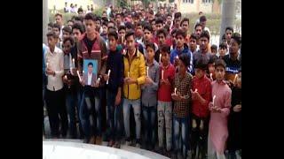 प्रिंसिपल की आत्माशांति के लिये स्कूली बच्चो ने निकाला कैंडल मार्च