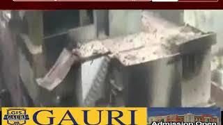 AAP पार्षद ताहिर हुसैन के घर की छत पर पत्थर-गुलेल-पेट्रोल बम