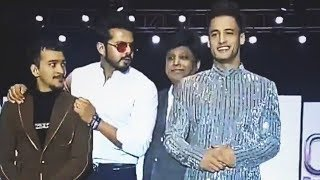 Asim Riaz And Sreesanth Walks The Ramp Together For Panky Soni Collection | Banglore