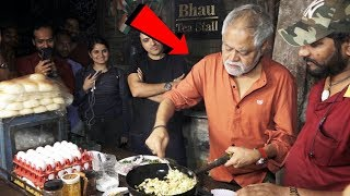 Sanjay Mishra And Hardik Mehta Promote Kaamyaab Movie At Goregaon Omelet Pav Stall