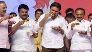 Corona virus // अफवाह रोकने के लिए #KTR ने मंत्रियों के साथ मंच पर खाया चिकन