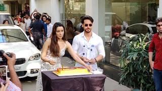 Shraddha Kapoor Birthday Celebration 2020 - Cake Cutting