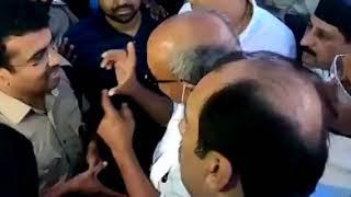 MP political crisis live: कर्नाटक में पुलिस से भिड़े दिग्विजय सिंह | Tez News
