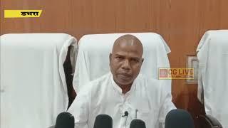 विधायक रामकुमार यादव ने घूम घूम कर लोगों को बांटे मास्क cglivenews