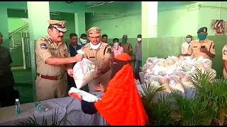 Hyderabad CP Anjani Kumar The Great Man | Distributes Ration In Public | @ SACH NEWS |