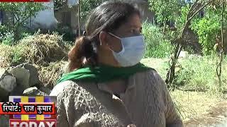 06 APR 01 एक्टिव केस फाइंडिग के तहत कोरोना बीमारी के लक्षणों सावधानियों की जानकारी लोगों को दे रही