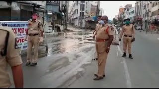 How Can The Real Hero's Work In This Dirty Place | Hyderabad Police Appeals To Clean The Drainage |