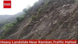 #JammuSrinagarHighway:Heavy Landslides Near Ramban,Traffic Stopped for Hours.