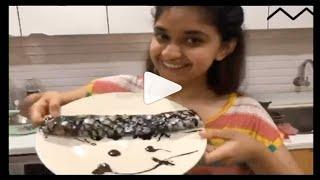 sunday special dosa recipe prepared by Keerthi suresh | Keerthy Suresh