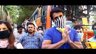 Sonu Sood's Warm Welcome By Migrant Labour - Watch Full Video