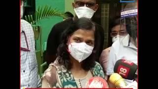 CM केजरीवाल ने कोरोना से जान गंवाने वाले डॉक्टर के परिवार को 1 करोड़ रुपए का चेक सौंपा