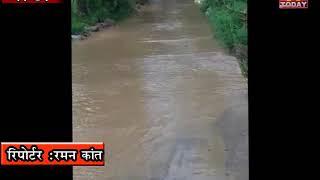 8 july 3 डिडवी टिक्कर से ताल जाने वाली सड़क पर भारी बारिश के चलते पानी भर गया है।