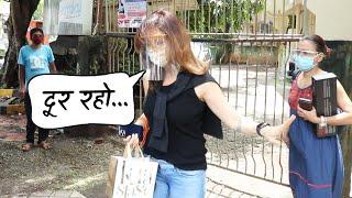 Sussanne Khan Spotted At Kromakay Salon Juhu - Watch Video