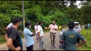 #InGoaEffect | Officials inspect the collapsing road at Mhavshi village in Valpoi