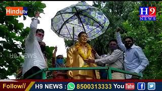 జయశంకర్  విగ్రహానికి పూలమాల వేసి నివాళులు