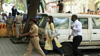 Deepika Ke Baad NCB Office Pohachi Shraddha Kapoor, Media Se Chori Chupe Pohachi