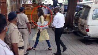 LIVE VIDEO: Shraddha Kapoor Ne Kis Tarah Diya Media Ko Chakma, NCB Office Pohachi