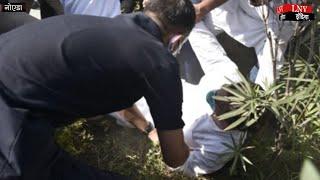 राहुल गांधी से UP पुलिस ने की धक्कामुक्की!, प्रियंका और राहुल गांधी को लिया हिरासत में..