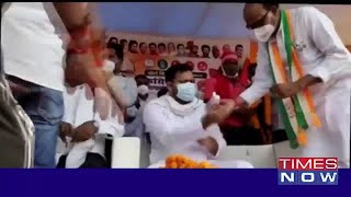 Slipper hurled at Tejashwi Yadav during an election rally in Aurangabad