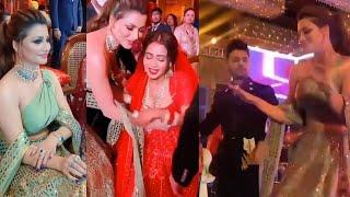 Urvashi Rautela Mast Dance In Neha Kakkar's Wedding, On Stage With Tony Kakkar