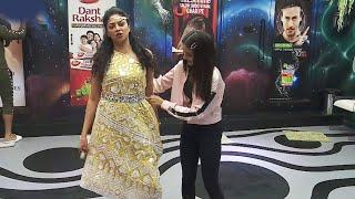 Bigg Boss 14: Kavita Kaushik Ko Dress Up Kar Rahi Hai Jasmin Bhasin, Naye Dosti Ki Shuruvat?
