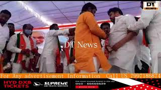 Bjp president bandi sanjay milardev pally trs corporator v srinivas reddy joined bjp
