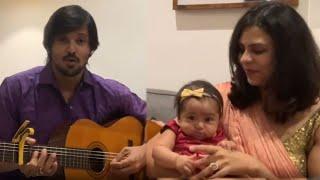 முதல் முறையாக மகளின் முகத்தை காட்டிய நகுல்   Nakul singing the song Ananda Alai for daughter