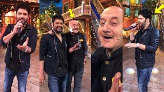 Kapil Sharma Mesmerises Everyone by Singing 'Tum Jo Mil Gaye Ho' With Anupam Kher In TKSS Show