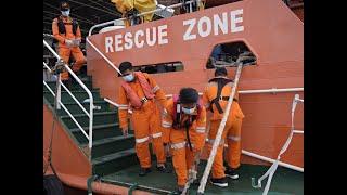 Indonesia plane crash: Body parts, debris found from Java Sea, Navy officials say