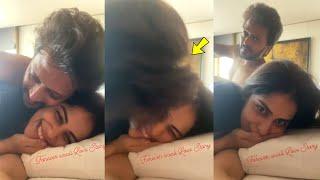 Ritesh Deshmukh Live Kissing To Wife Genelia D'souza Very Romatic And Cutest Video