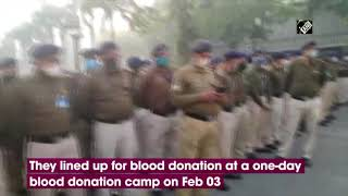 CAPF Personnel Gather For Blood Donation At Delhi's AIIMS | Catch News