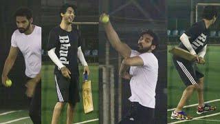 Shah Rukh Khan's son Aryan Khan and Suniel Shetty's son Ahan Shetty Playing Cricket Together