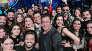 The Mega Selfie Of Salman Khan Is Bigger Than Any Big Movie Announcement, Here's Why