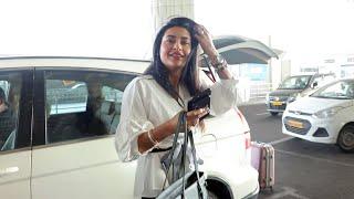 Pavitra Punia Spotted At Airport, Media Ke Sath Ki Masti   Bigg Boss 14 Contestant
