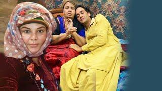 Rakhi Sawant Ke Maa Ko Dekhne Pohache Vikas Gupta, Dekhiye Video