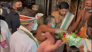 Shri Rahul Gandhi offers his humble and respectful prayers at Arulmigu Nellaiappar Temple