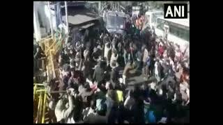 उत्तराखंड:सड़क चौड़ी करने की मांग कर रहे प्रदर्शनकारियों पर पुलिस ने किया लाठीचार्ज video