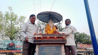 खंडवा : जब दीपों की रोशनी से रोशन हुआ पं. माखनदादा का प्रतिमा स्थल, मध्यप्रदेश मीडिया संघ का आयोजन