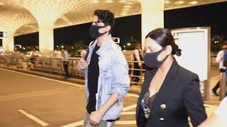 Gauri Khan Aur Aryan Hue NEW YORK Ke Liye Ravana, Spotted At Airport