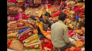 Viral  | गुरुनानक गारमेंट्स के गोदाम में हो रही कपड़ो की बिक्री, Lock Down की उड़ाई जा रही धज्जियां