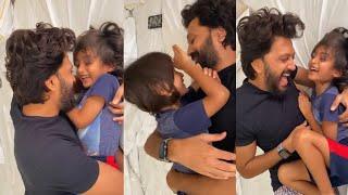 Cutest Video : Ritesh Deshmukh Singing Song 'Tera Mujhse Hai' to his baby Boy Rahyl